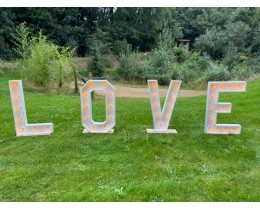 LOVE letters licht