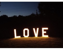 LOVE letters donker
